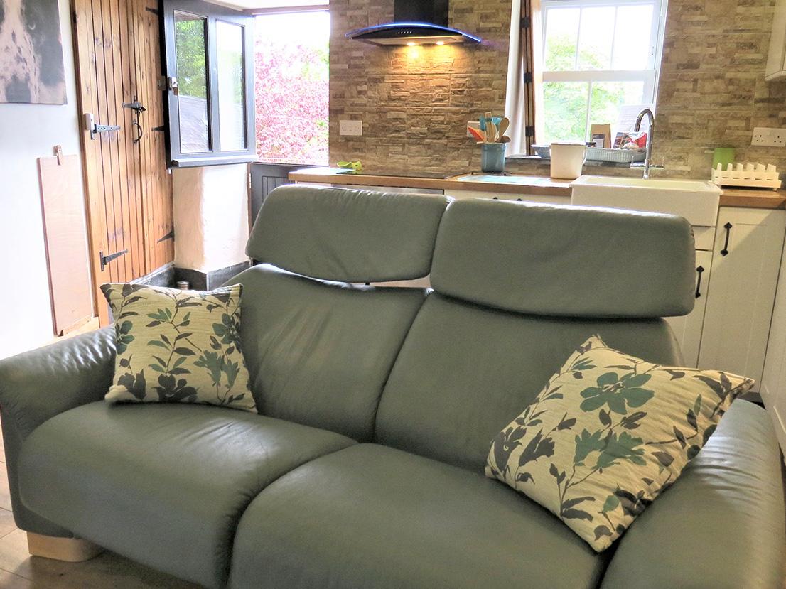 Luxury reclining sofas